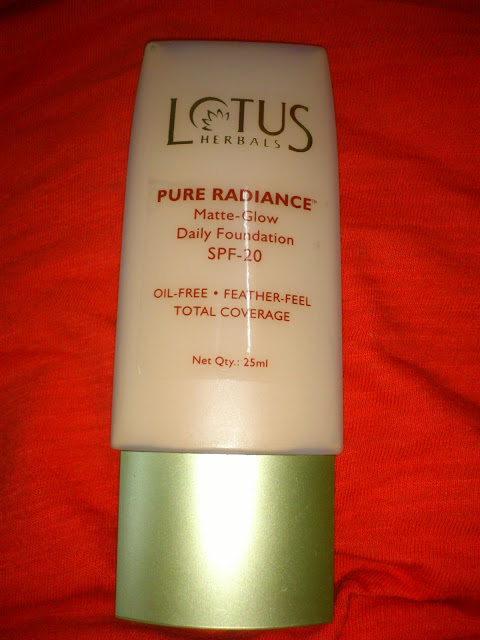 Lotus Herbals Pure radiance matte glow daily foundation review